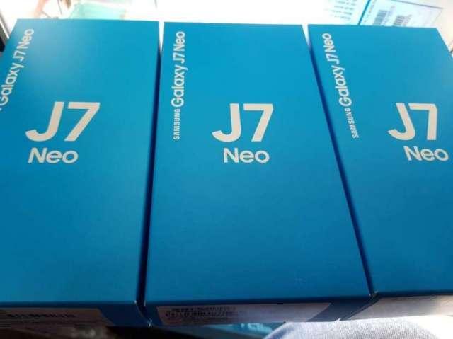 Samsung Galaxy J7 Neo en cuotas más protectores de regalo