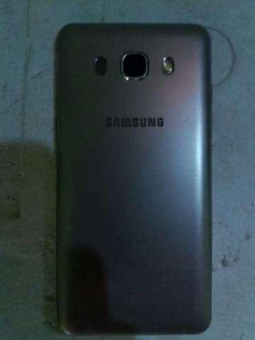 Samsung Galaxy J5 6 semi nuevo