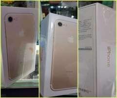 iPhone 7 de 32 gb sellado en caja con garantáa escrita