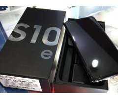 Samsung Galaxy S10e de 128 gb con protectores