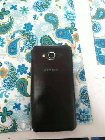 Samsung Galaxy J7 2017 color negro